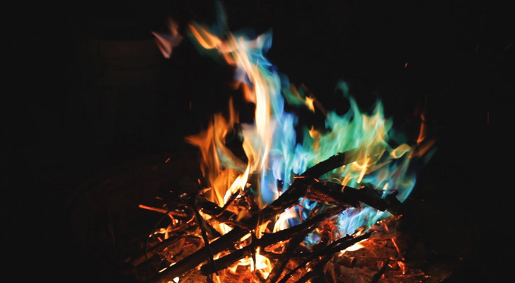 Here's How You Can Safely Change The Color of Your Campfire